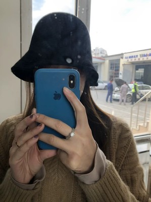 漁夫帽女孩